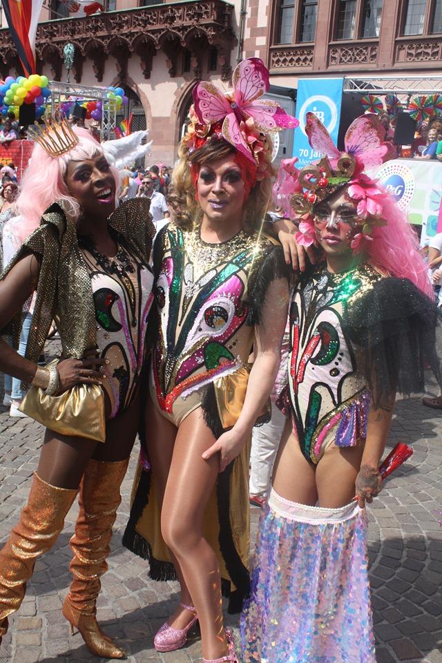 Bosanci gay Balkans but