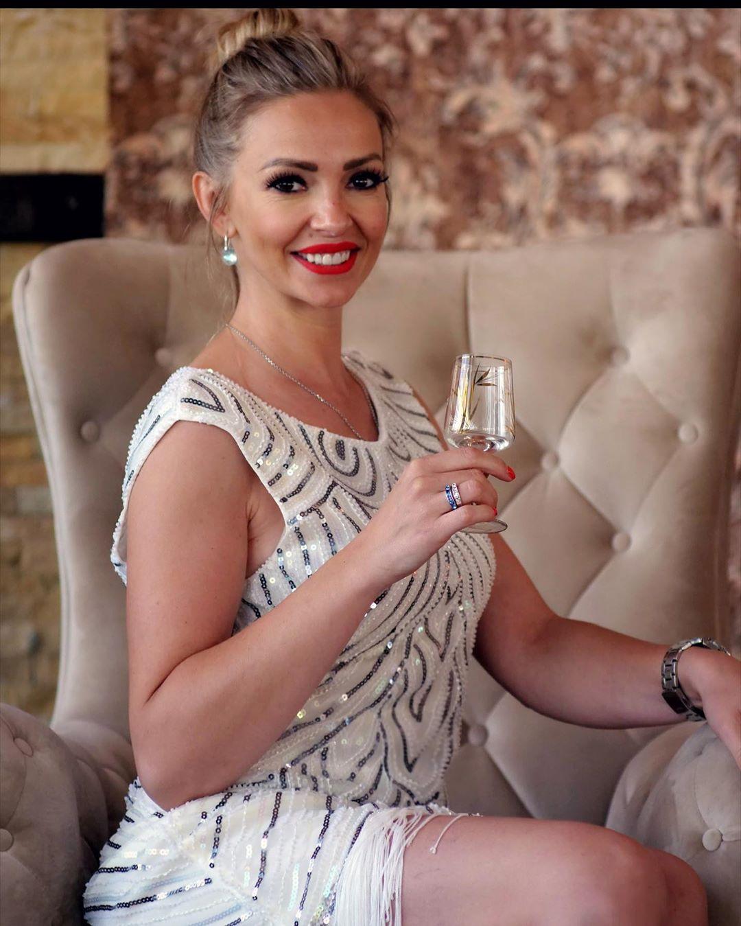 BLISTA NAKON RAZVODA: Jelena Gerbec ljepša nego ikad - Express