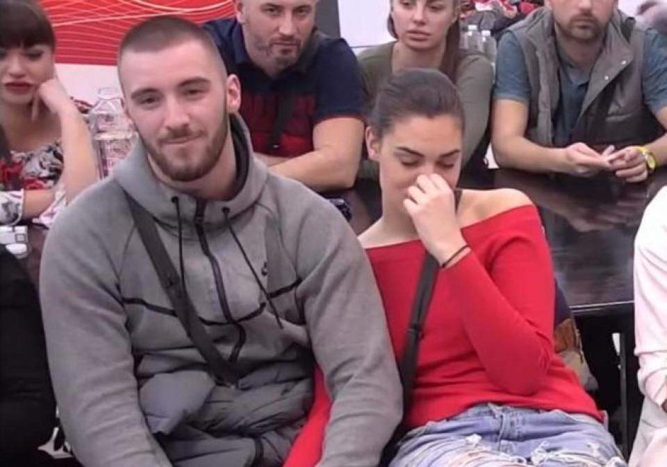 STIŽE MALI MENSUR: Mina Vrbaški trudna? - Express