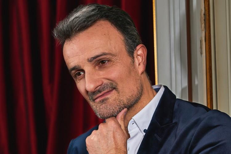 PUBLICI NA DAR REFREN NOVE PJESME: Ivan Milinković slavio rođendan - Express