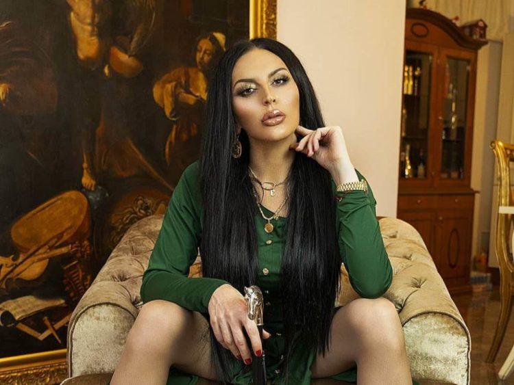 Transrodna pjevačica Elektra se udaje za biznismena iz Mostara Elektra-750x563